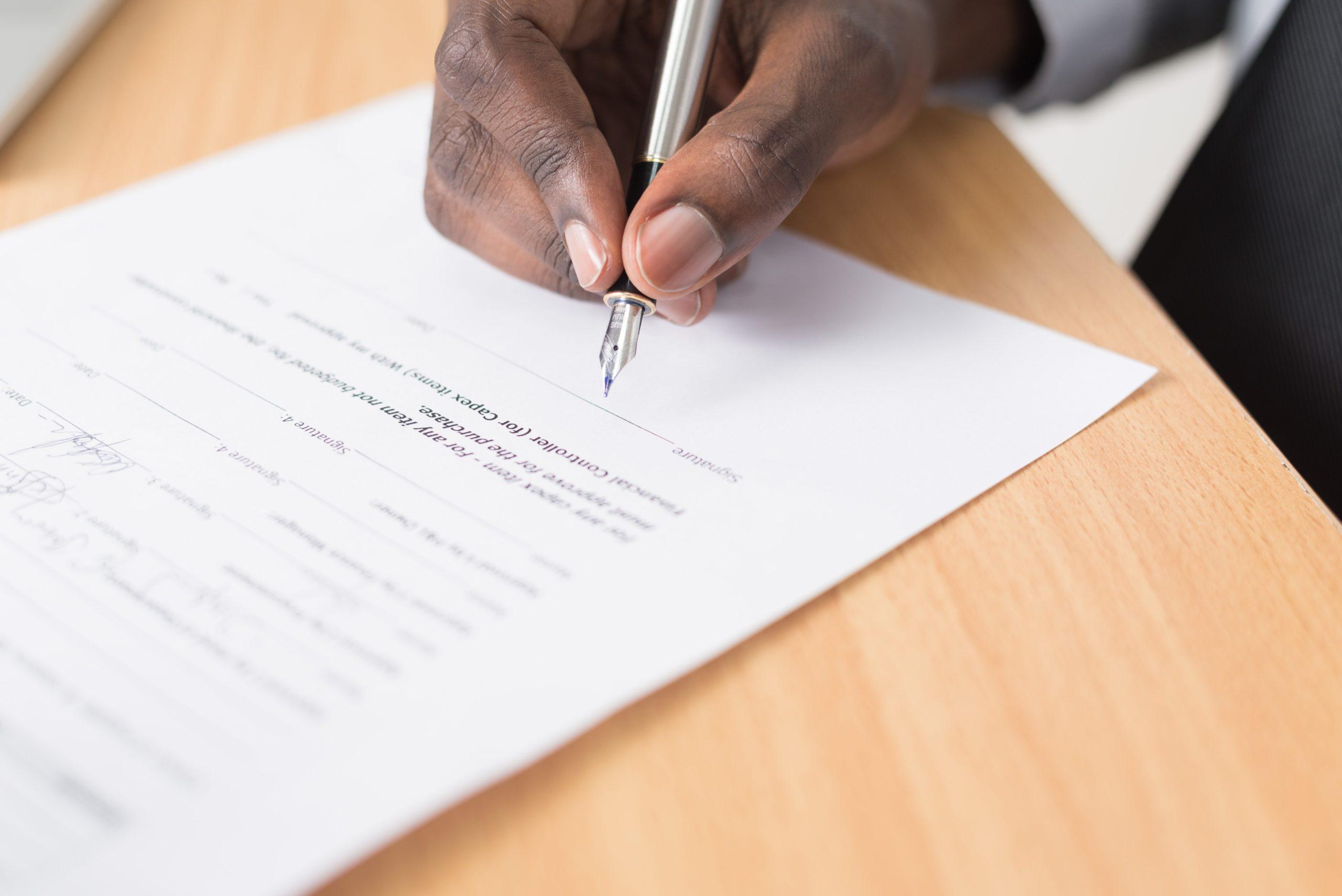 anwalt-recht-mietrecht-vertrag-nebenkosten-scaled